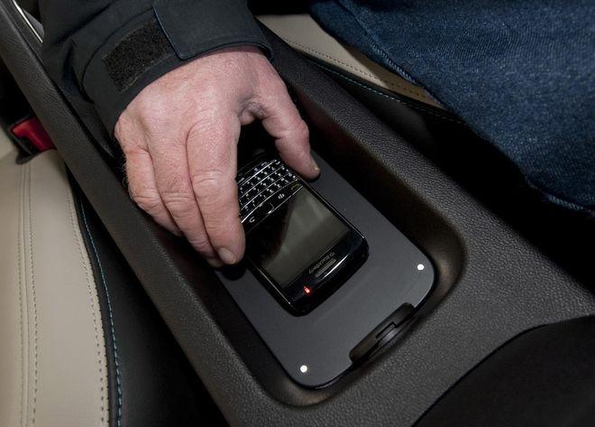 Зарядить телефон можно будет через беспроводную сеть