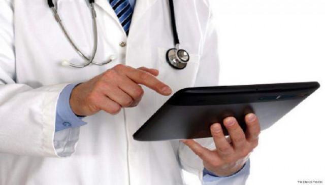 doctor_tablet_ipad_20130124191435_640_480