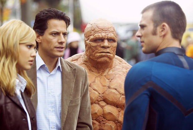 still-of-jessica-alba,-michael-chiklis,-chris-evans-and-ioan-gruffudd-in-fantastic-four-(2005)-large-picture