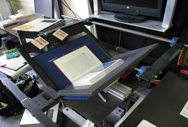 Internet_Archive_book_scanner_1